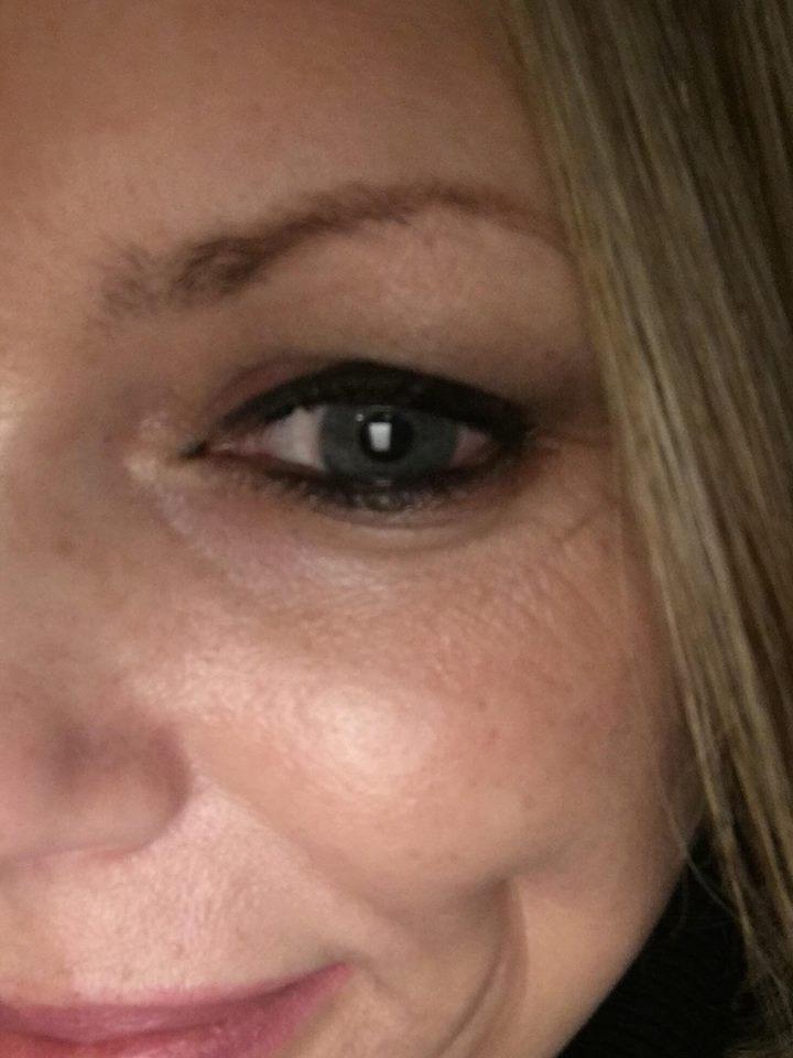 Rachel Sheridan Reviews Bobbi Brown's extra eye repair cream